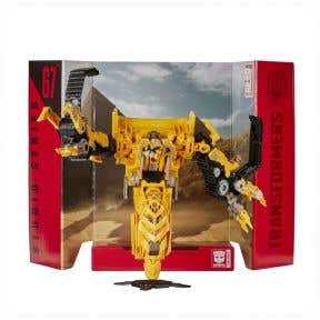 Transformers Generations Studio Series 67 Voyager Class Skipjack Action